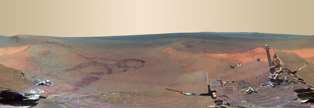 Opportunity'nin panoramik kamerasından 360 derecelik bir manzara.