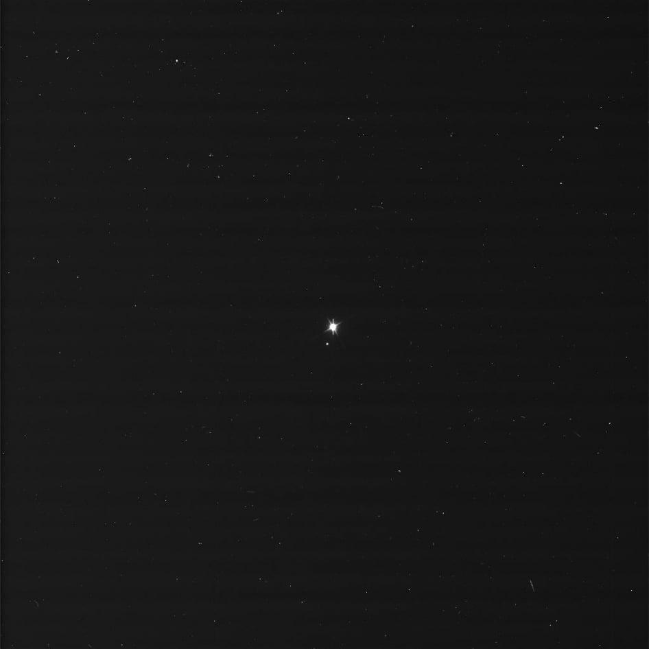 Satürn'den Dünya ve Ay - 19 Temmuz 2013