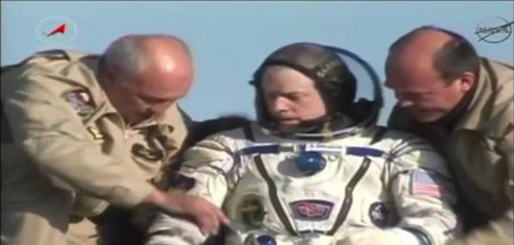 Uluslararası Uzay İstasyonu'ndan Üç Mürettebat Dünya'ya Döndü