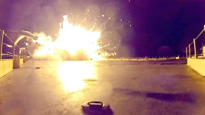 Space X'in Falcon 9 Roketinin Hatalı İniş Fotoğrafları