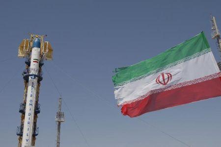 İran, Fecr Uydusunu Fırlattı