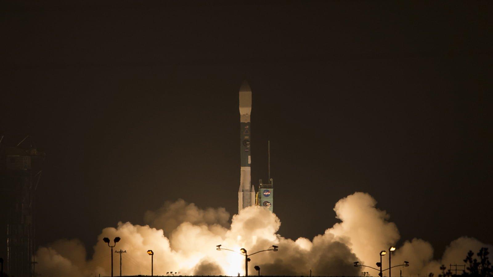 NASA, Yeni Dünya Gözlem Uydusu SMAP'i Ateşledi