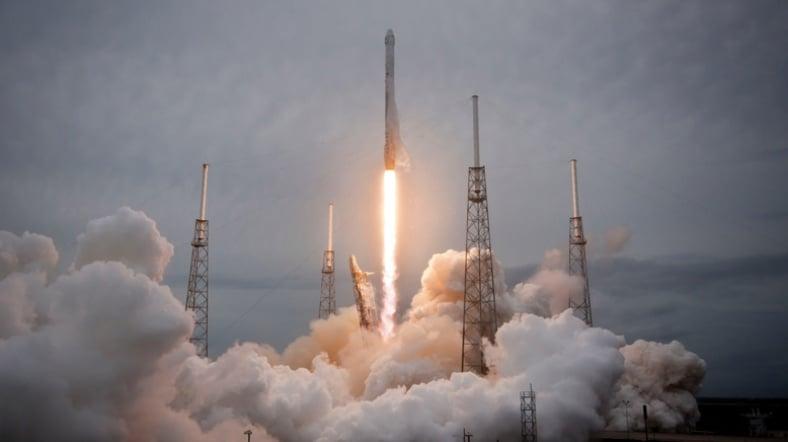 Space X Askeri Uydu Ateşleyecek