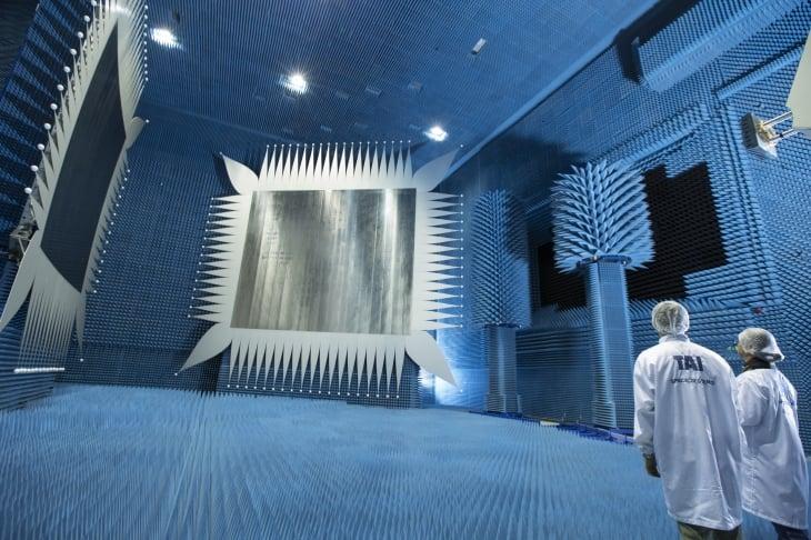 large_resim-11-kompakt-anten-test-odasi