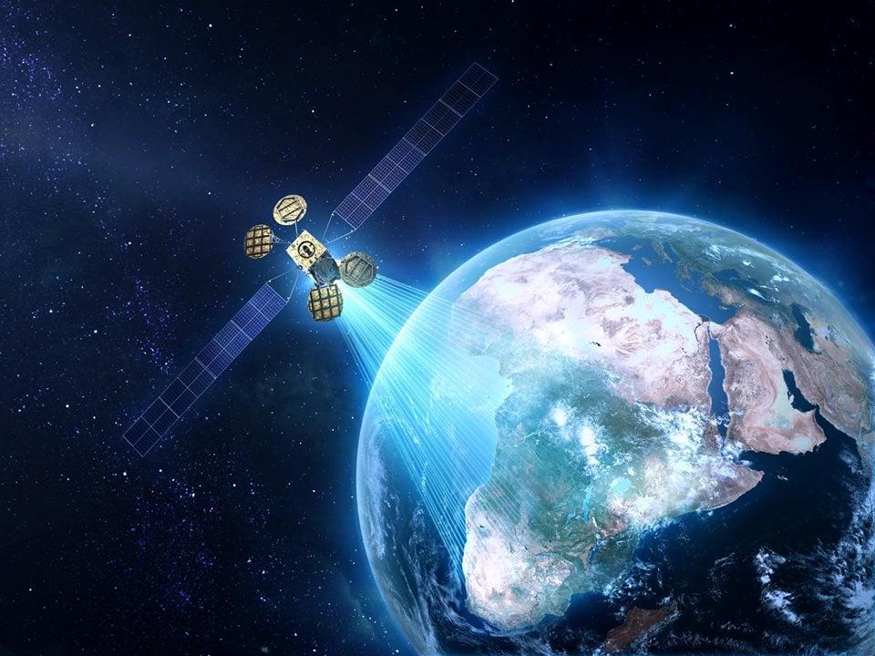 Facebook 2016'da Uydu Göndermeyi Planlıyor