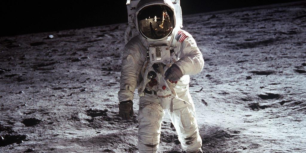 NASA 2024'te Ay'a İki Astronotu Göndermeyi Planlıyor