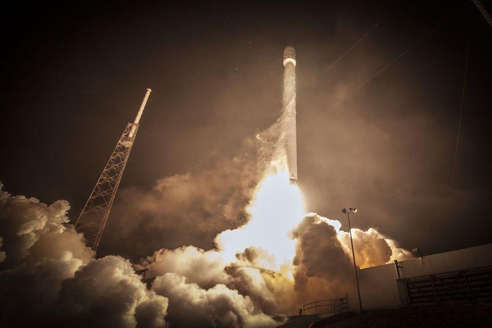 abs_eut_launch_lightning_tower