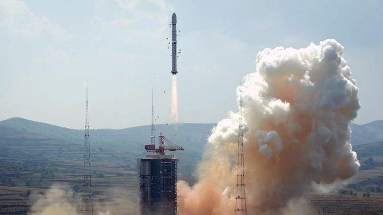 Çin 5 Yıl İçinde Uzaya 150 Taşıyıcı Roket Fırlatacak