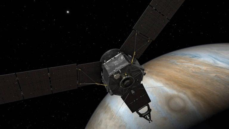 Juno Jüpiter'in Yörüngesine Yerleşti