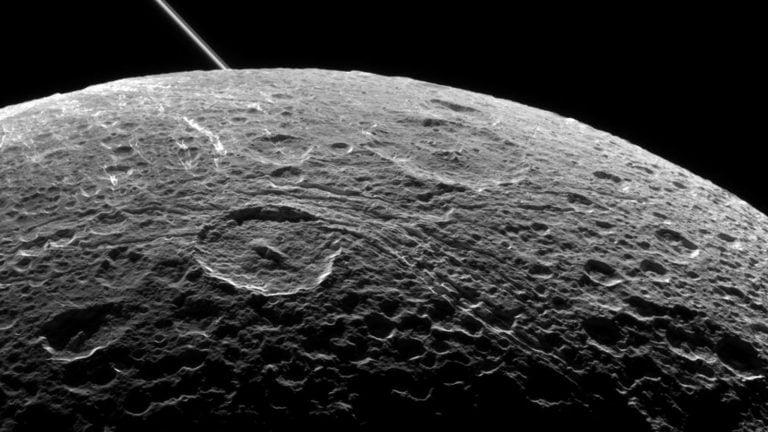 Ay'da Kalıcı Bir Uzay Üssü Kurmak Mümkün Mü?