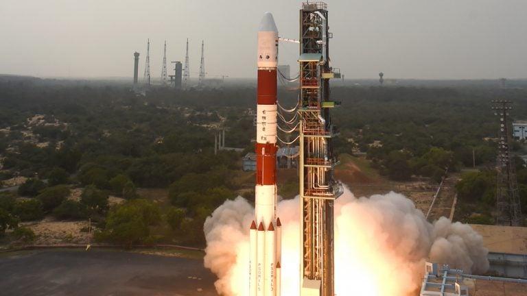 Hindistan'dan Tek Roketle 104 Uydu