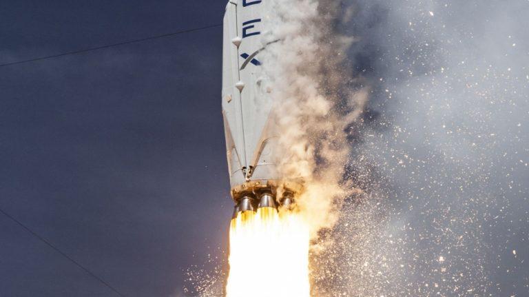 SpaceX İlk Kez Yenilenebilir Bir Roket Kullandı
