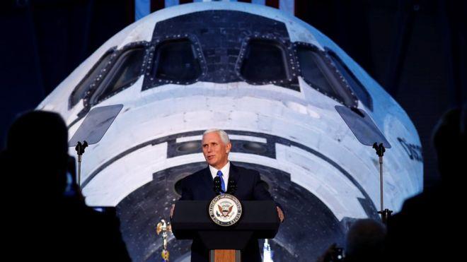 ABD Başkan Yardımcısı Mike Pence: Ay'a astronot göndermek istiyoruz
