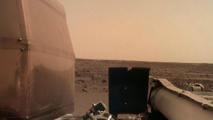 NASA'nın Mars Keşif Aracı InSight Kızıl Gezegen'de