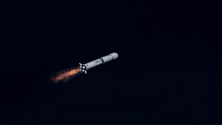 Çin'in Deneysel Uzay Aracı Başarıyla Dünya'ya İndi