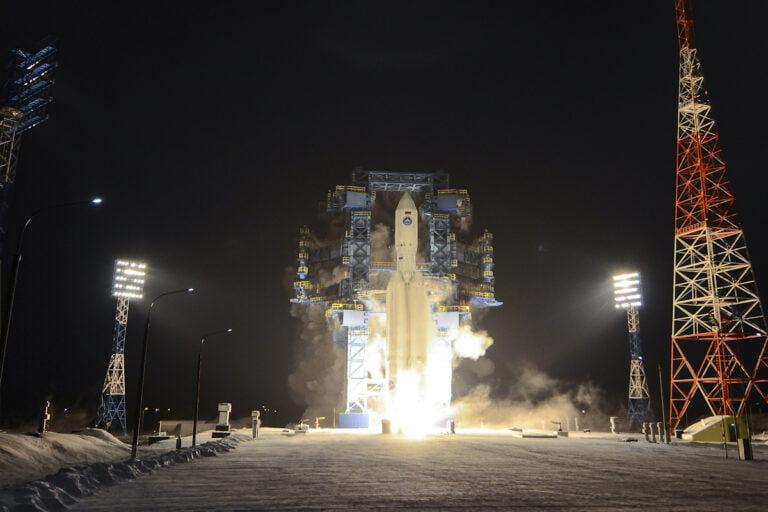 Rusya, Angara A5 Roketini Fırlattı