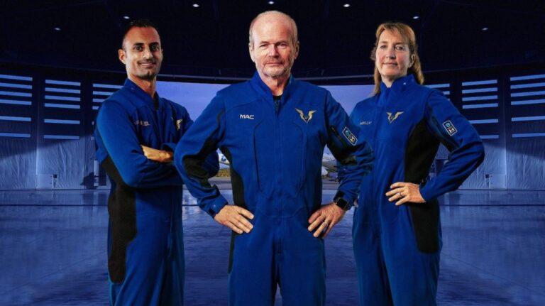 Virgin Galactic, Turistik Uzay Uçuşları İçin Pilotların Uzay Giysilerini Tanıttı