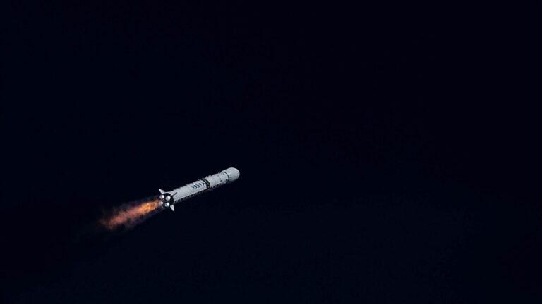 Çin, Long March 7A'yı İkinci Denemede Uzaya Fırlatmayı Başardı