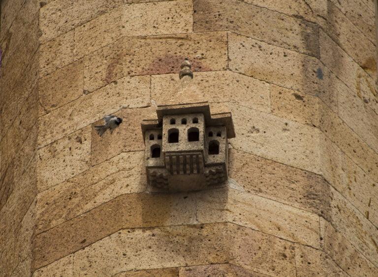 Türk Mimarisinin Minyatür Konakları: Kuş Evleri