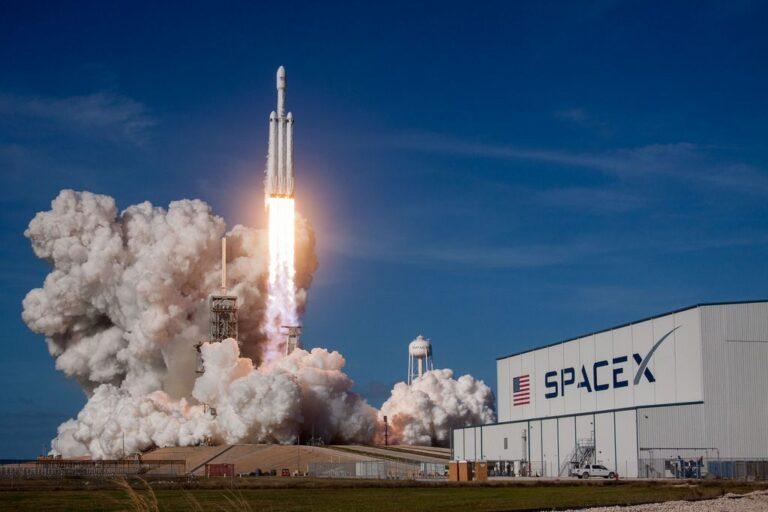 NASA, GOES-U Uydusunu Fırlatmak İçin SpaceX'in Falcon Heavy Roketini Seçti